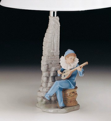 STRUMMING (LAMP)